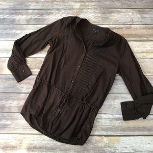 Gap lightweight brown button down tunic. Size med